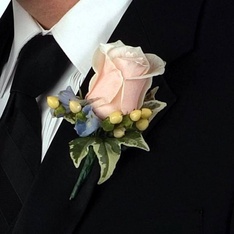 Бутоньерка на руку подружкам невестВай фай роутер